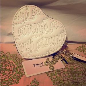 NWT Juicy Couture Heart shaped 💜 Wristlet/Coin